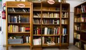 bibliothèque emplie de vieux livres