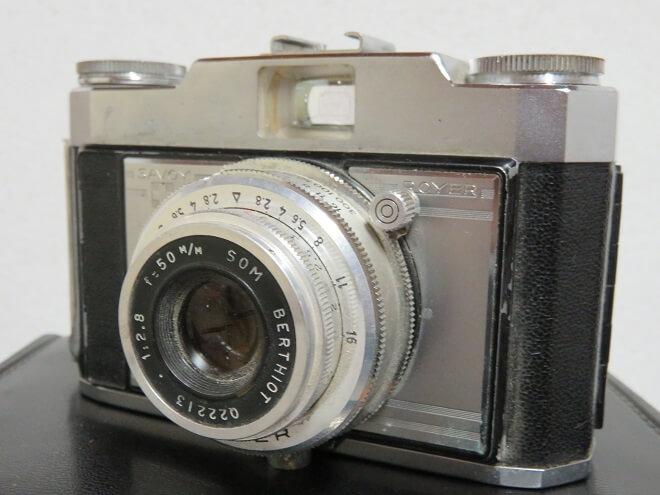 gros plan d'un appareil photo Royer de 1956